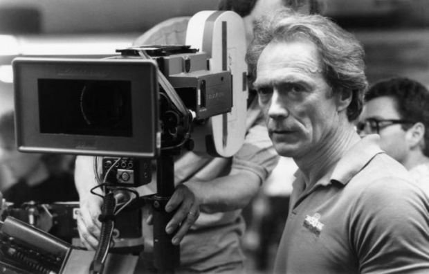 THE ROOKIE, director Clint Eastwood on set, 1990, © Warner Brothers