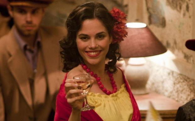 Španska glumica Elena Martinez tumači ulogu lepe Dolores.