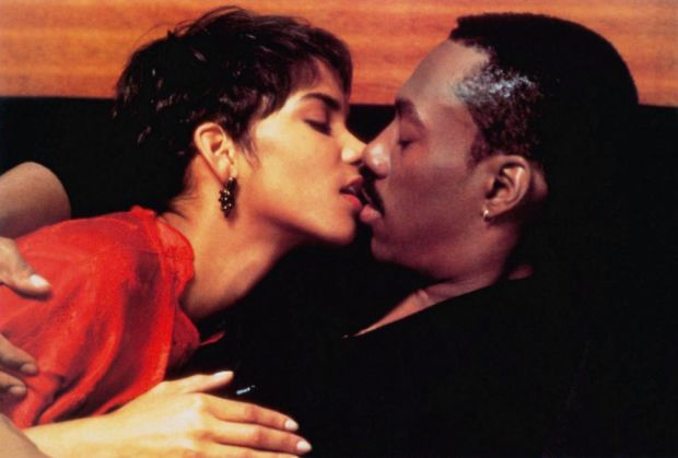 BOOMERANG, from left: Halle Berry, Eddie Murphy, 1992, © Paramount