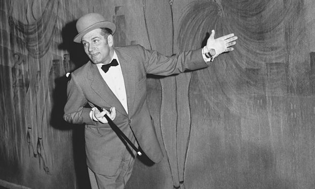 Laurence Olivier in the 1957 stage version of The Entertainer.