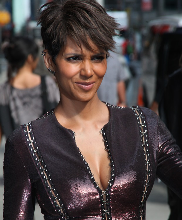 Halle Berry leaves the Late Show with David Letterman Featuring: Halle Berry Where: New York City, New York, United States When: 07 Jul 2014 Credit: PNP/WENN.com
